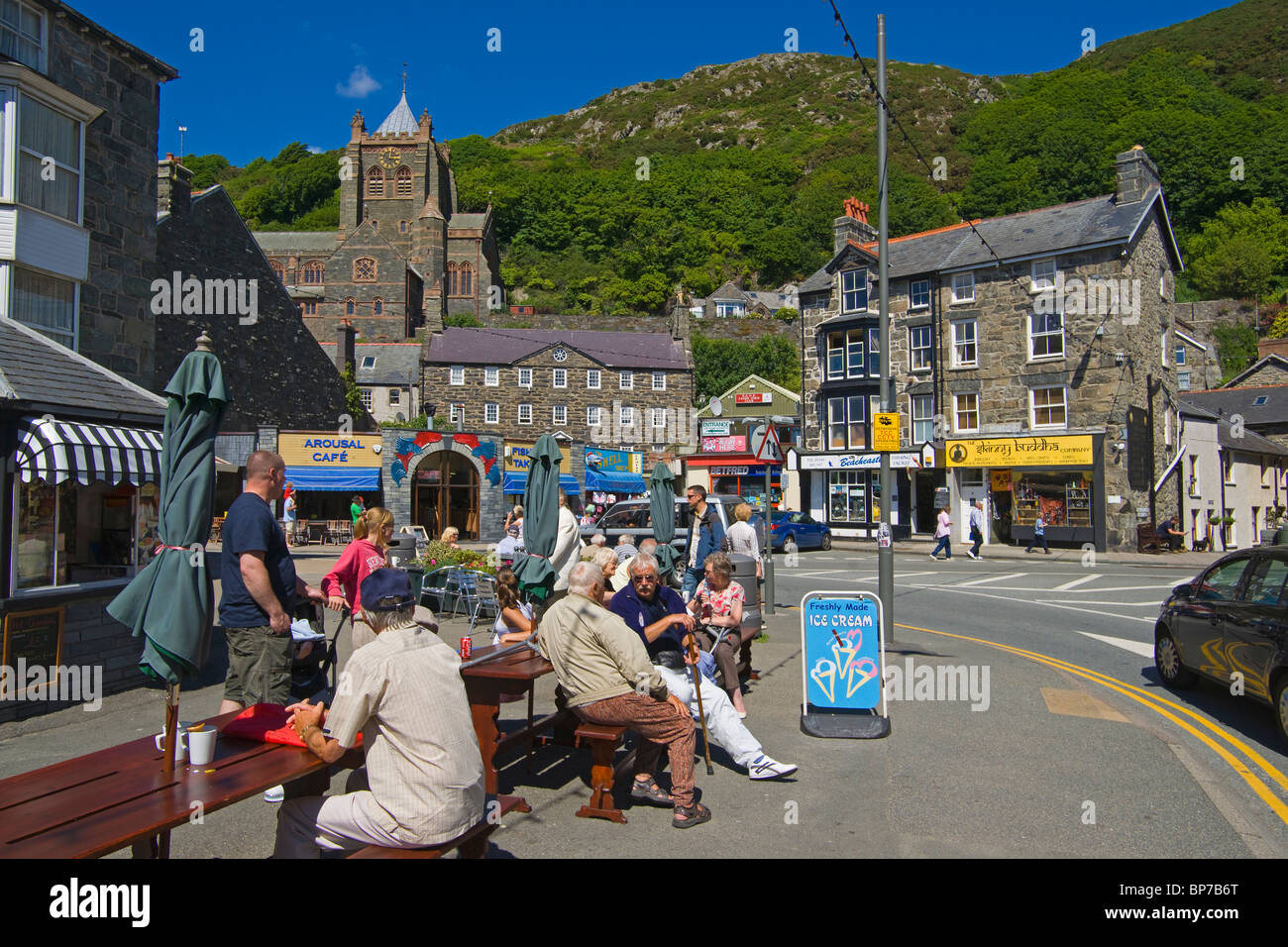 barmouth town centre north wales uk stock photo. Black Bedroom Furniture Sets. Home Design Ideas