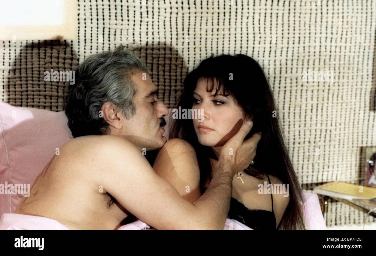 OMAR SHARIF & CLAUDIA MORI BLOODLINE (1979) - Stock Image