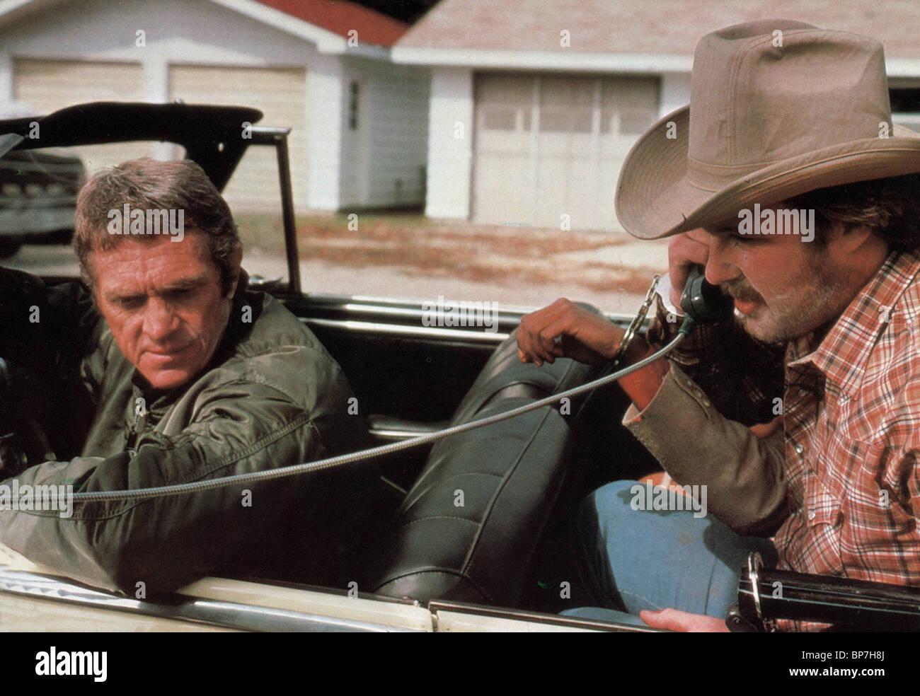 STEVE MCQUEEN & BEN JOHNSON THE HUNTER (1980) - Stock Image