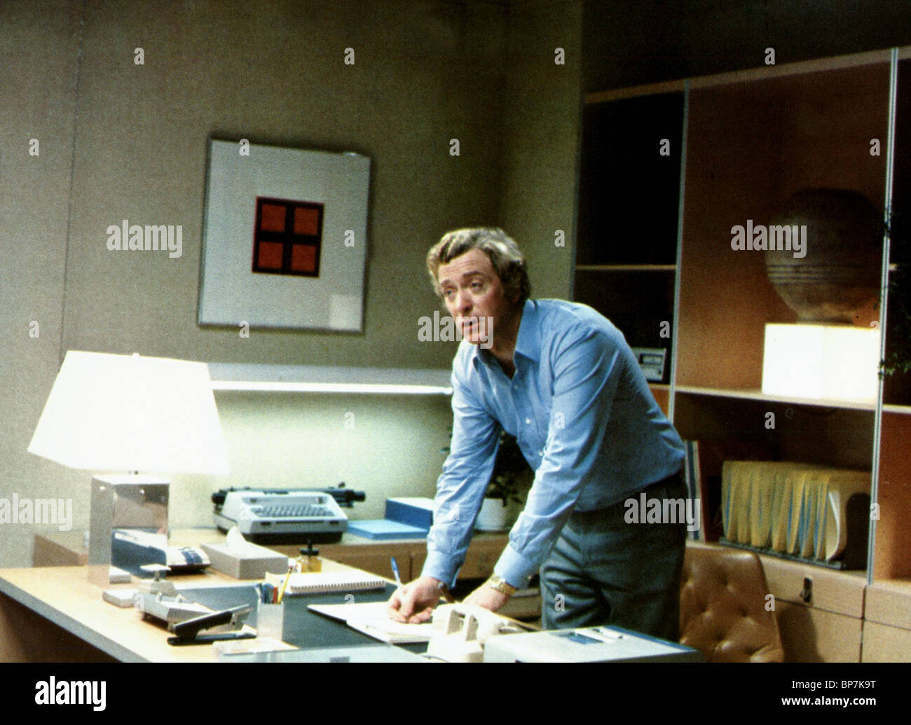 MICHAEL CAINE DRESSED TO KILL (1980) - Stock Image
