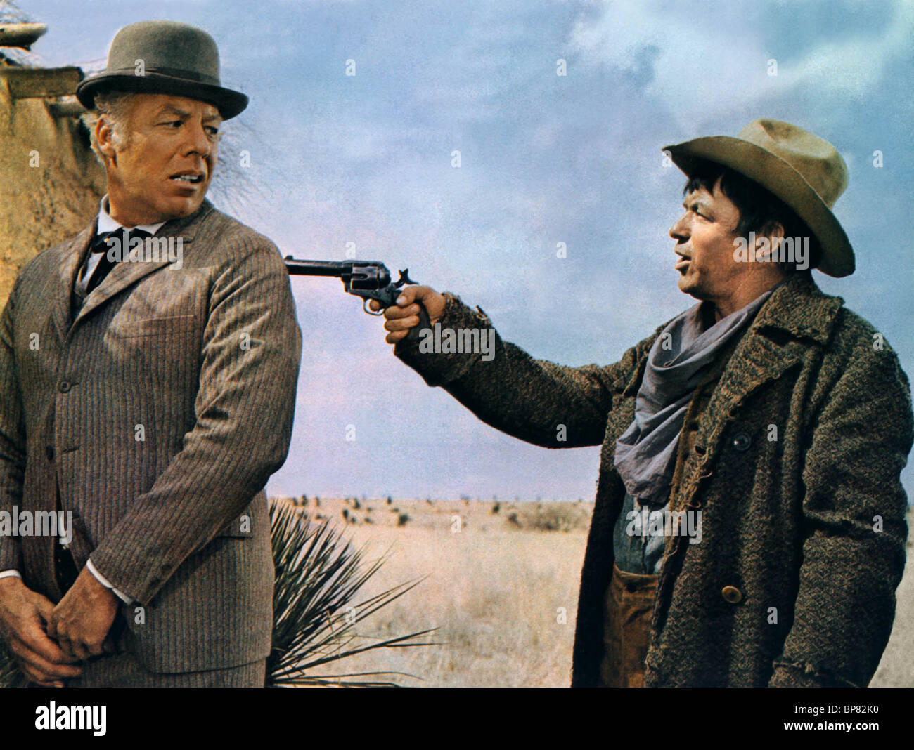 GEORGE KENNEDY & FRANK SINATRA DIRTY DINGUS MAGEE (1970) - Stock Image