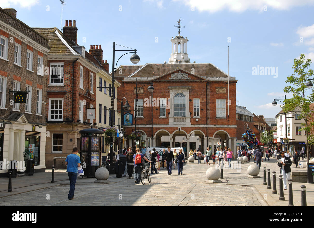 High Street and the Guildhall, High Wycombe, Buckinghamshire, England, UK - Stock Image