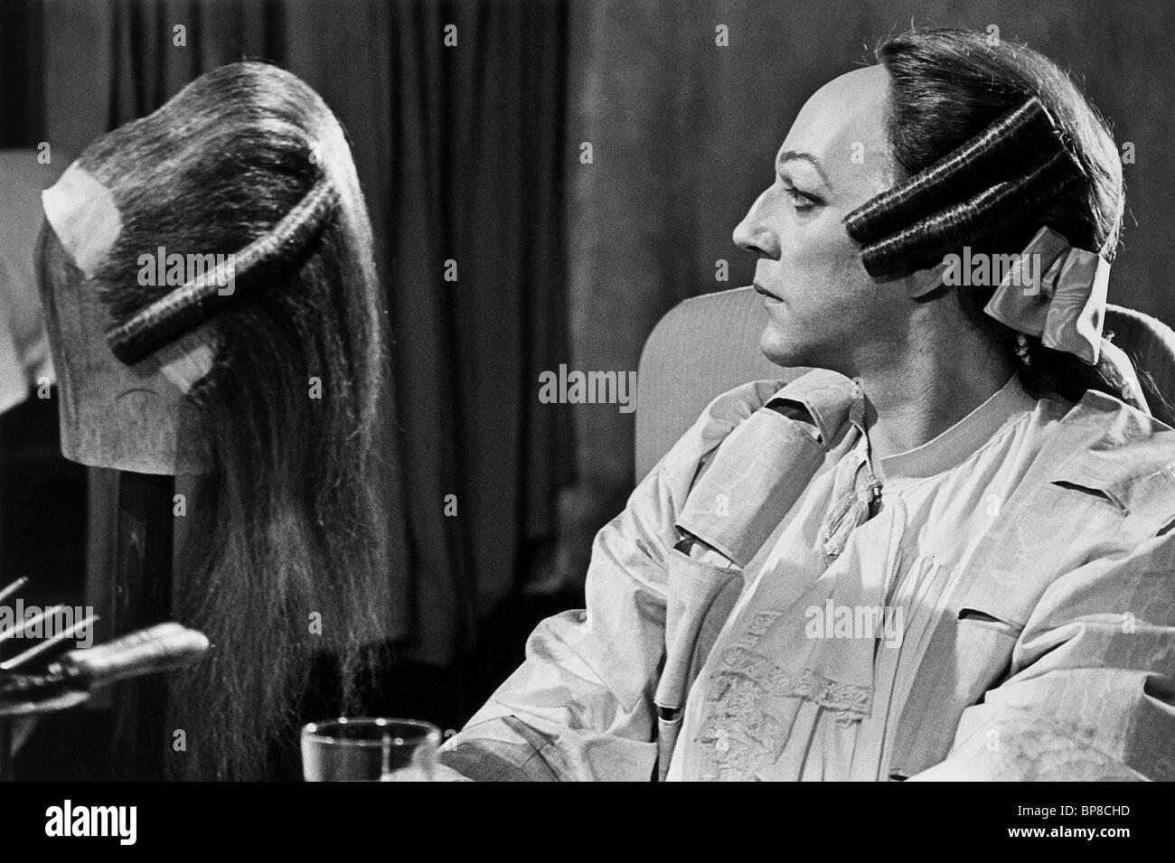 Suki Waterhouse,Carla Humphries (b. 1988) XXX pic Kym Wilson,Sarah Kennedy (actress)