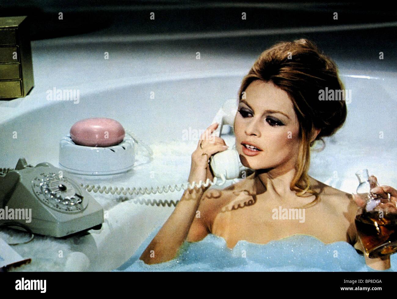 L/'ours et la poupee Brigitte Bardot Movie poster