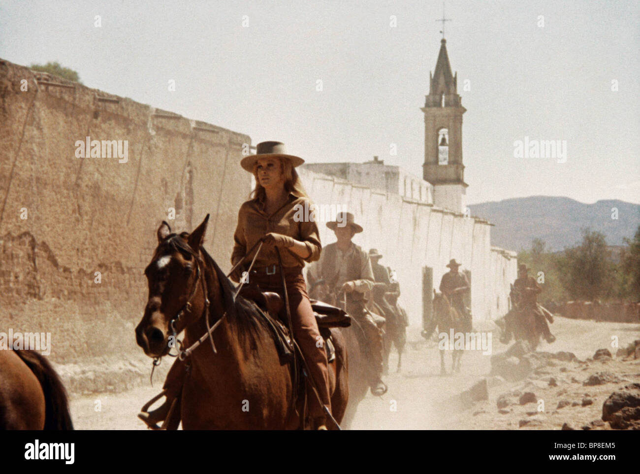 ANN-MARGRET THE TRAIN ROBBERS (1973) - Stock Image