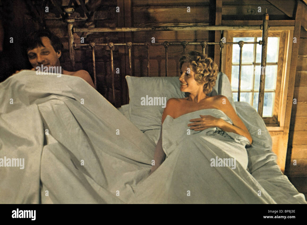ALAN ALDA, MELODIE JOHNSON, THE MOONSHINE WAR, 1970 - Stock Image