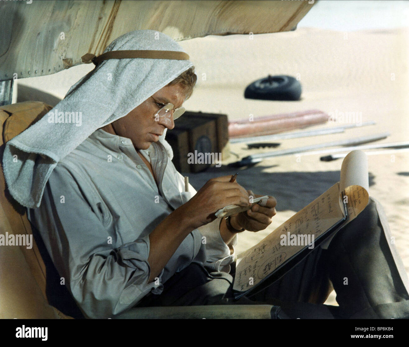 HARDY KRUGER THE FLIGHT OF THE PHOENIX (1965) Stock Photo