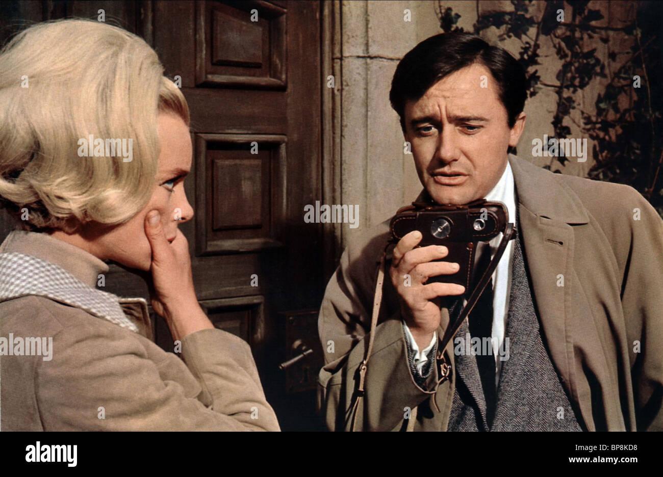 ELKE SOMMER, ROBERT VAUGHN, THE VENETIAN AFFAIR, 1966 - Stock Image