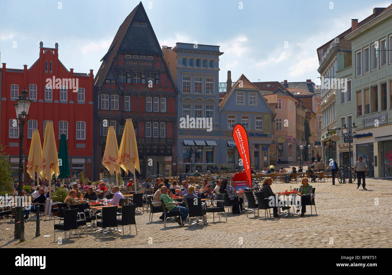 Markt (market Place) With Old Houses And Open Air Cafés In Minden, Strasse