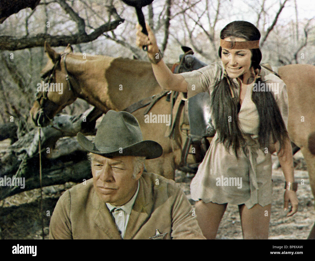 GEORGE KENNEDY & MICHELE CAREY DIRTY DINGUS MAGEE (1970) - Stock Image