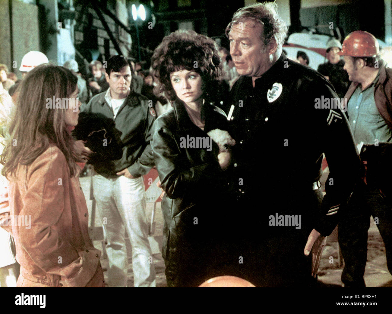 VICTORIA PRINCIPAL, GENEVIEVE BUJOLD, GEORGE KENNEDY, EARTHQUAKE, 1974 - Stock Image
