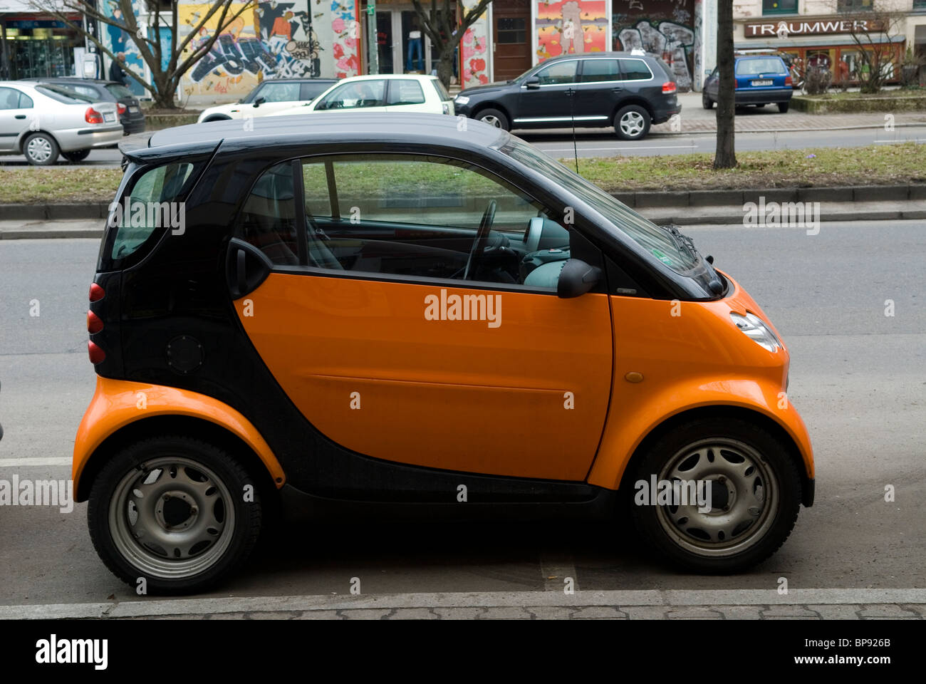 Electric Smart Cars Stock Photos & Electric Smart Cars Stock Images ...