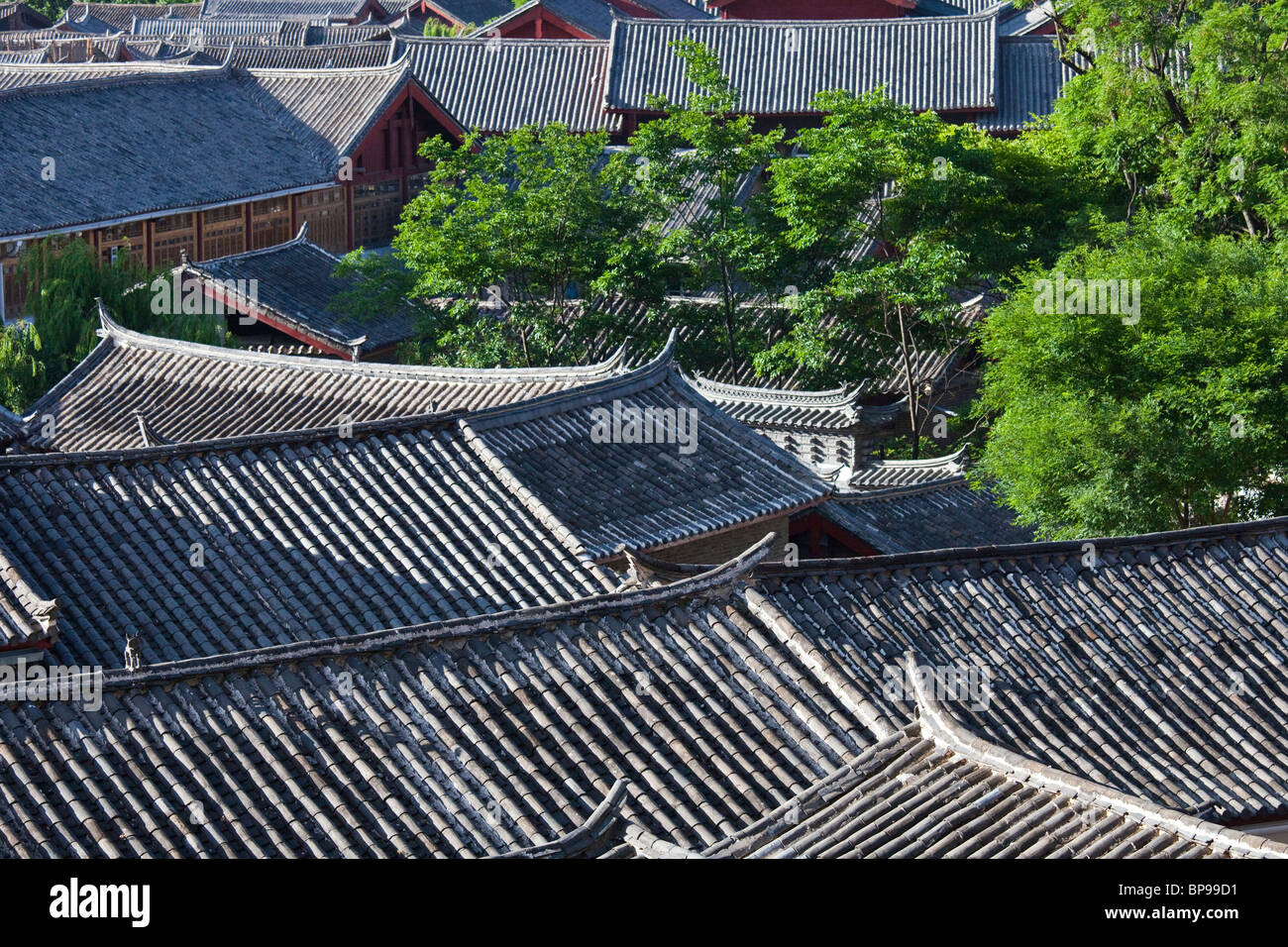 Rooftop view of the old town in Lijiang, Yunnan Province, China - Stock Image