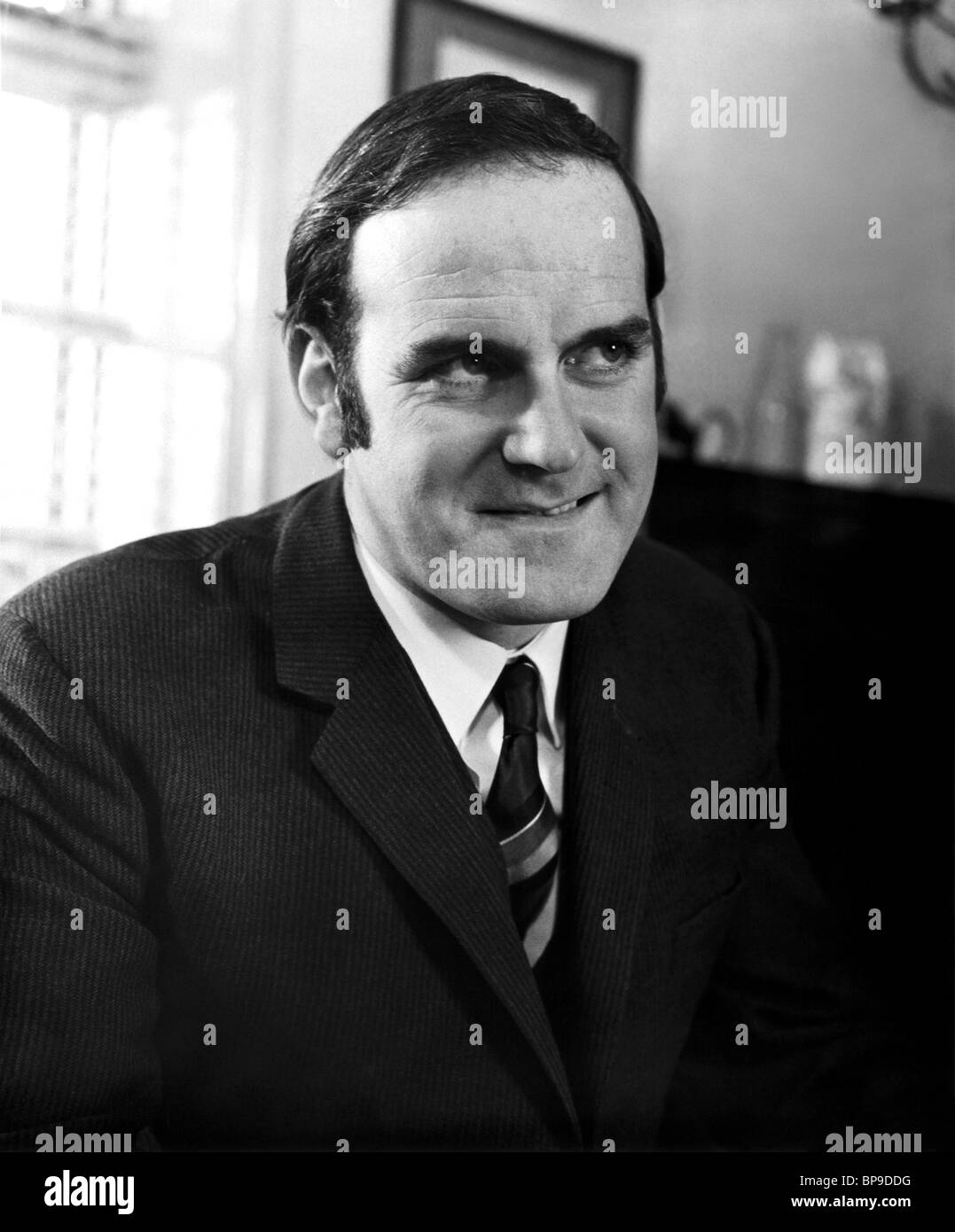 JOHN CLEESE MONTY PYTHON'S; AND NOW FOR SOMETHING COMPLETELY DIFFERENT (1971) - Stock Image