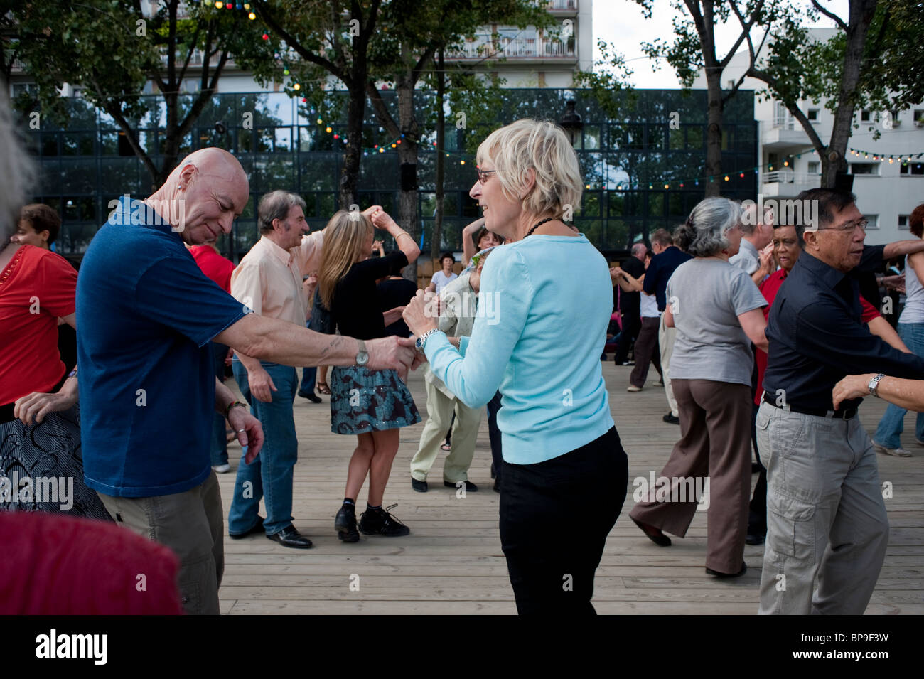 Paris, France, French People, Adult Couples, Rock n Roll Style Dancing at 'Paris Plages' on Seine River - Stock Image