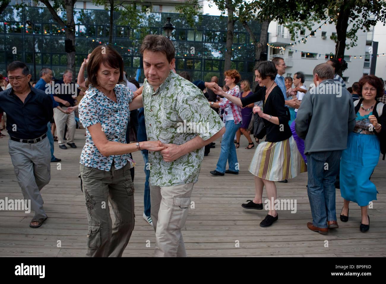 Paris, France, Adult Couples, Rock n Roll Style Street Dancing at 'Paris Plages' Dance River Seine adult - Stock Image