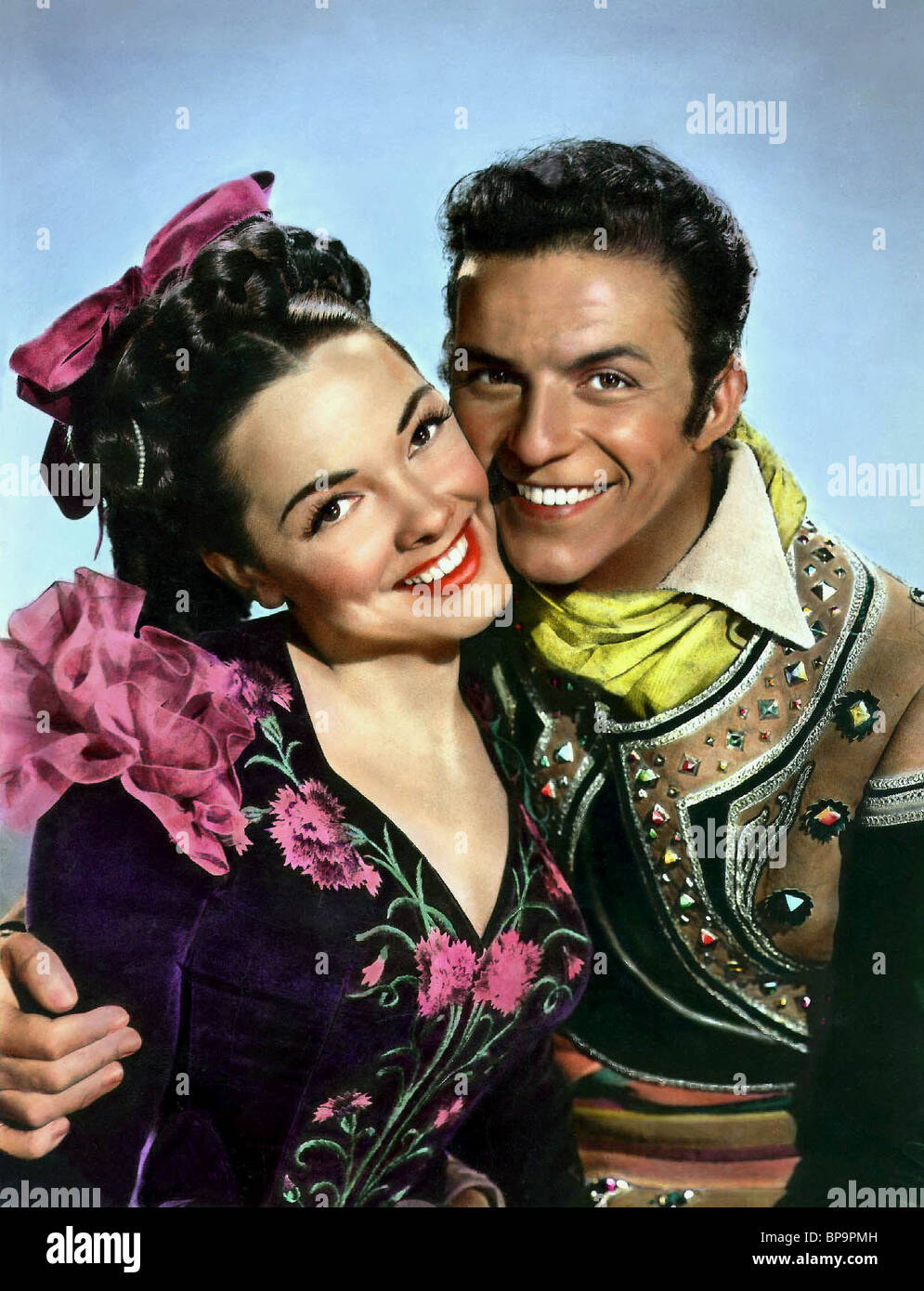 KATHRYN GRAYSON & FRANK SINATRA THE KISSING BANDIT (1948) - Stock Image