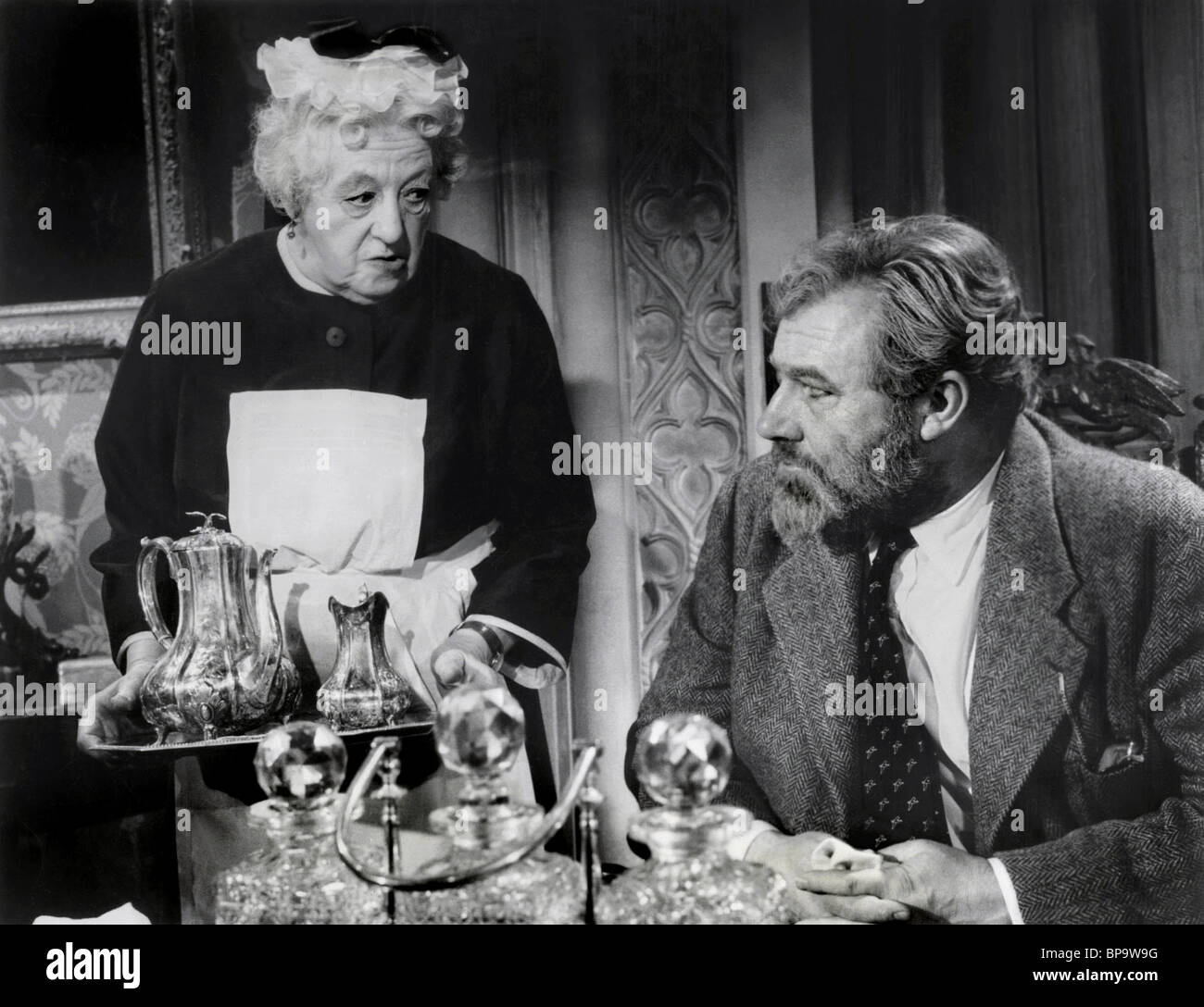 MARGARET RUTHERFORD, JAMES ROBERTSON JUSTICE, MURDER SHE SAID, 1961 - Stock Image