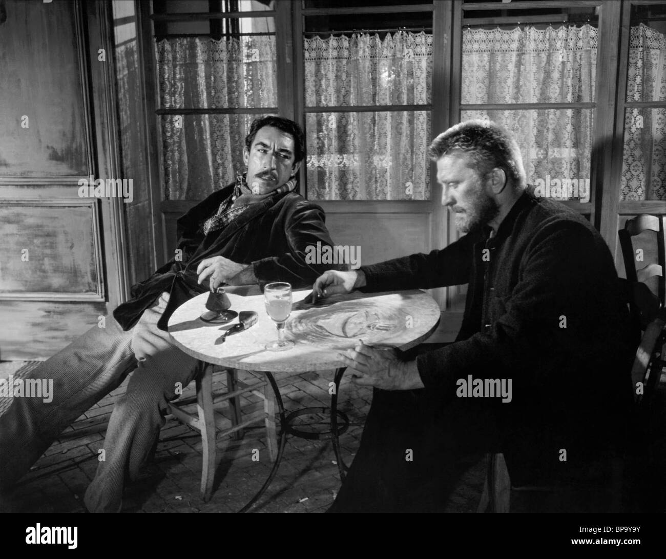 ANTHONY QUINN & KIRK DOUGLAS LUST FOR LIFE - VINCENT VAN GOUGH (1956)Stock Photo