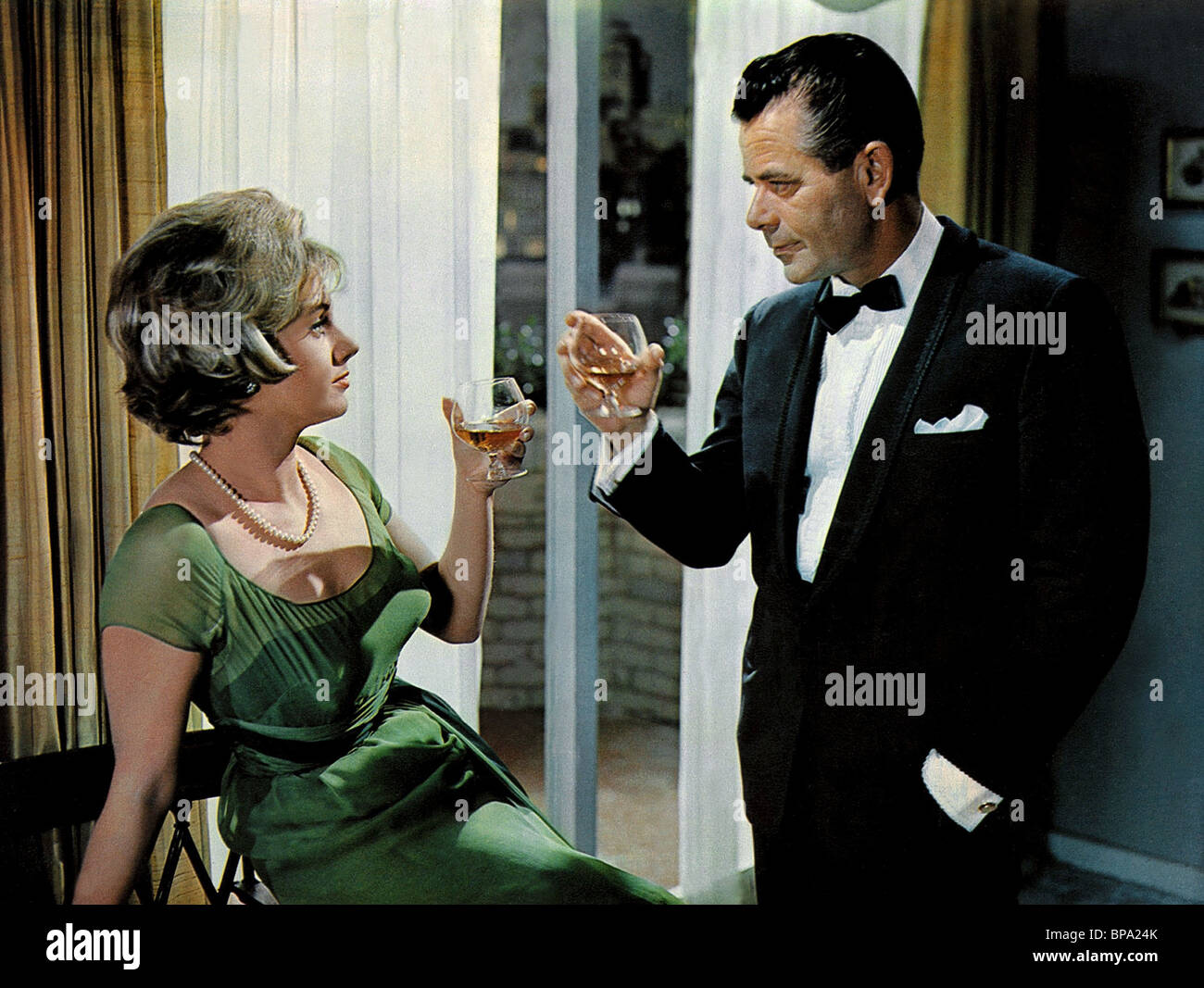 SHIRLEY JONES GLENN FORD THE COURTSHIP OF EDDIE'S FATHER (1963) - Stock Image