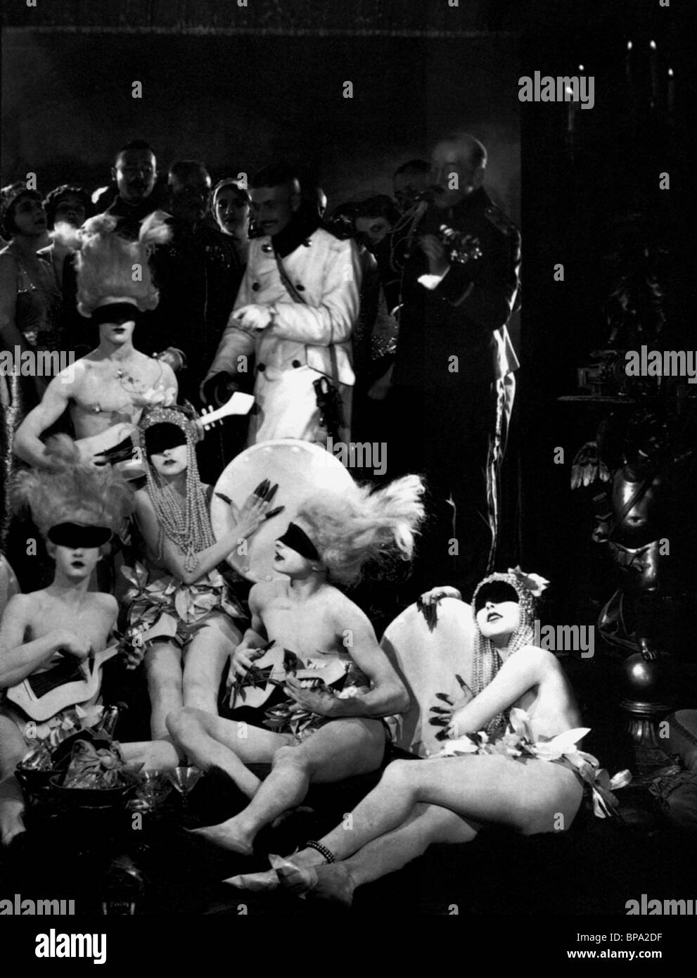 EXOTIC DANCERS THE MERRY WIDOW (1925) - Stock Image