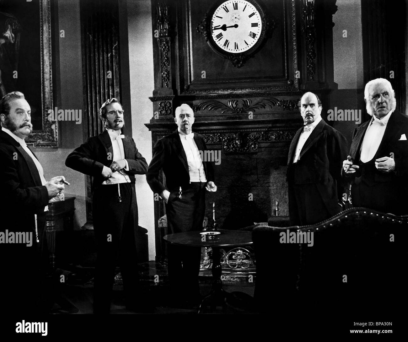FINLAY CURRIE BASIL SYDNEY RONALD SQUIRE ROBERT MORLEY & TREVOR HOWARD AROUND THE WORLD IN EIGHTY DAYS (1956) - Stock Image