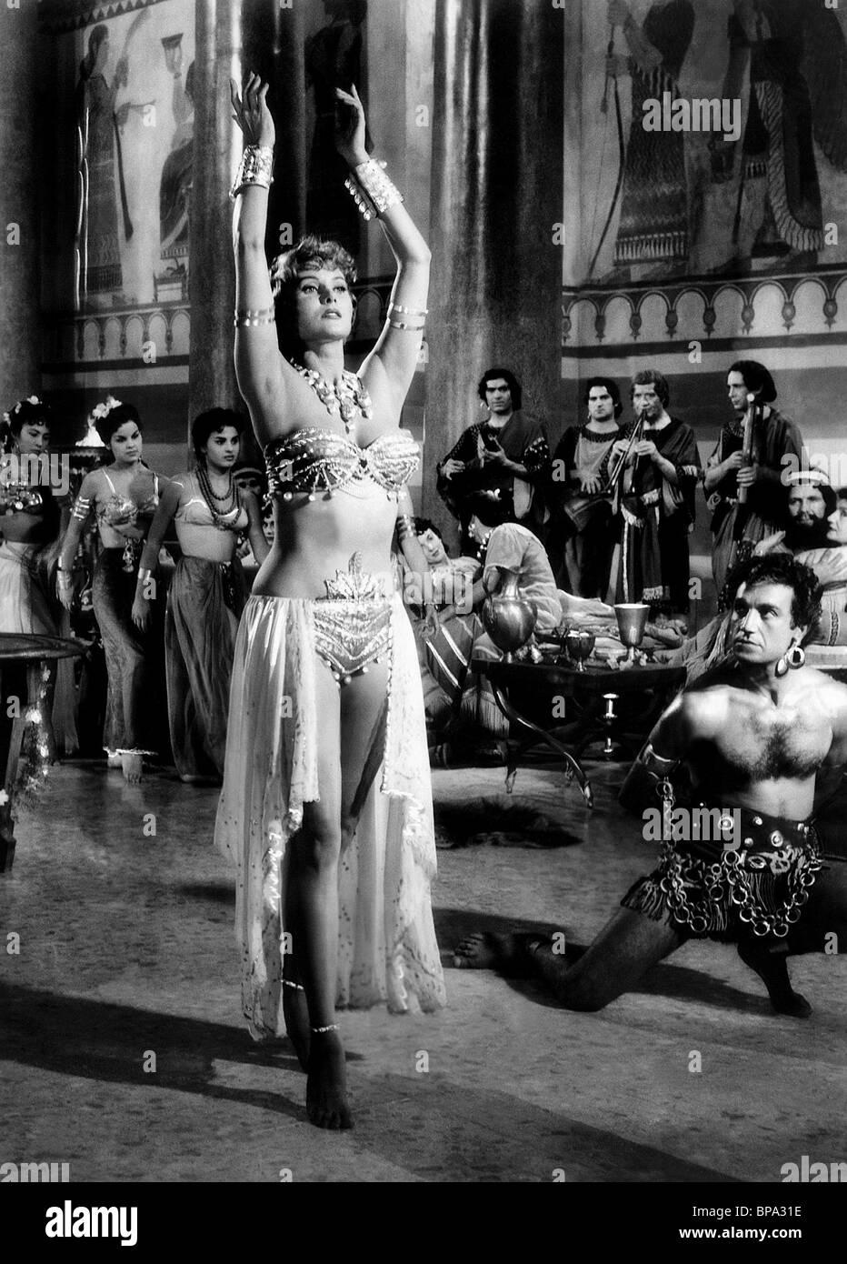 RHONDA FLEMING THE QUEEN OF BABYLON (1955) Stock Photo