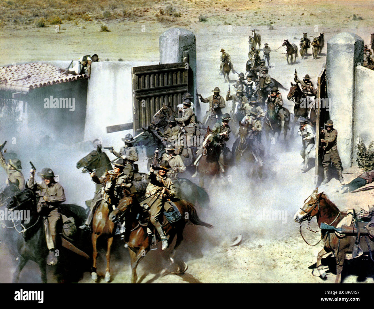U.S. CAVALRY CHARGE THEY CAME TO CORDURA (1959) - Stock Image