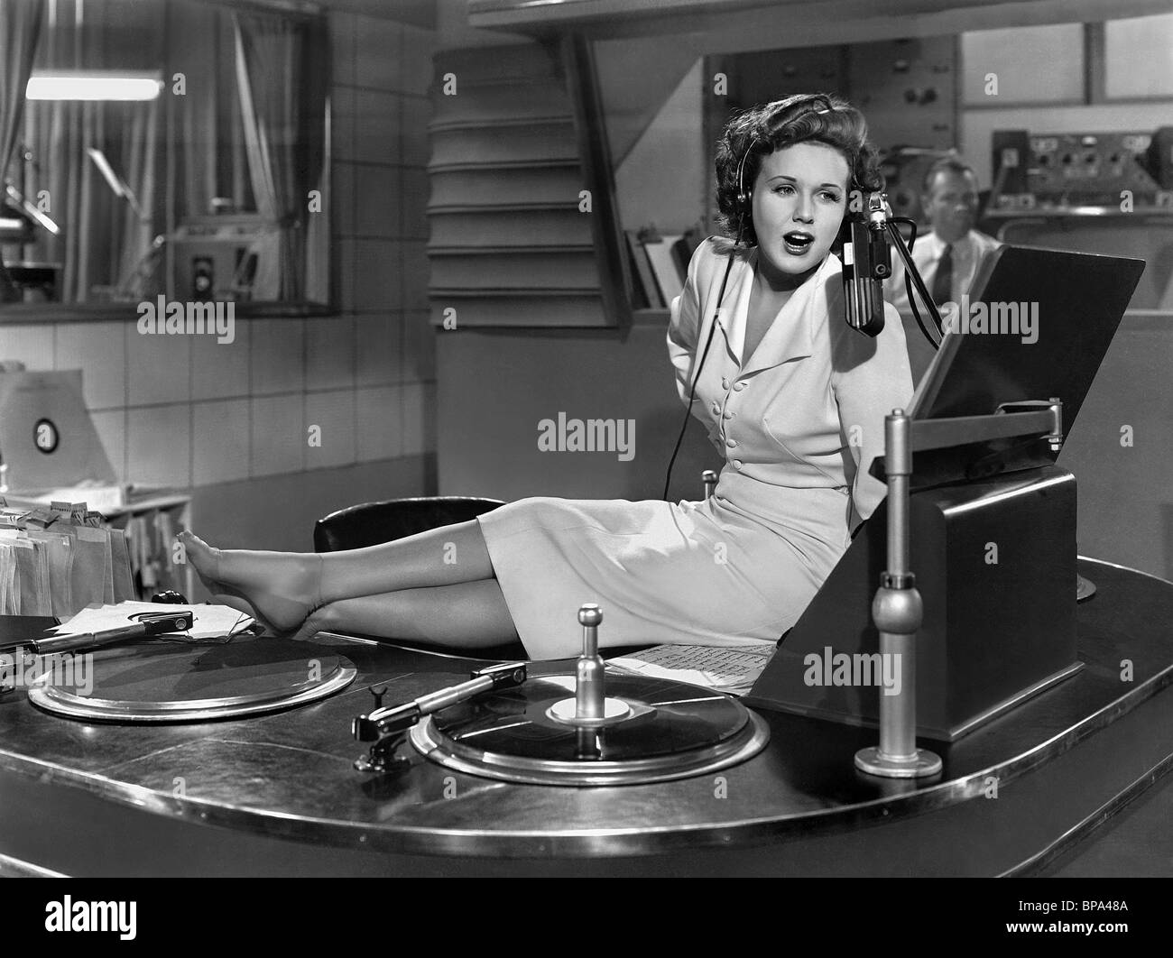 DEANNA DURBIN SOMETHING IN THE WIND (1947) - Stock Image