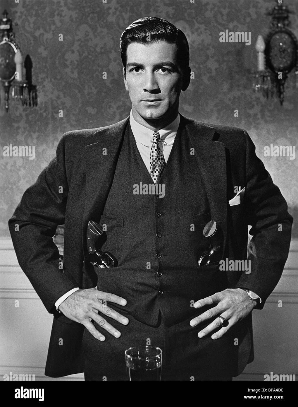RAY DANTON PORTRAIT OF A MOBSTER (1961) - Stock Image