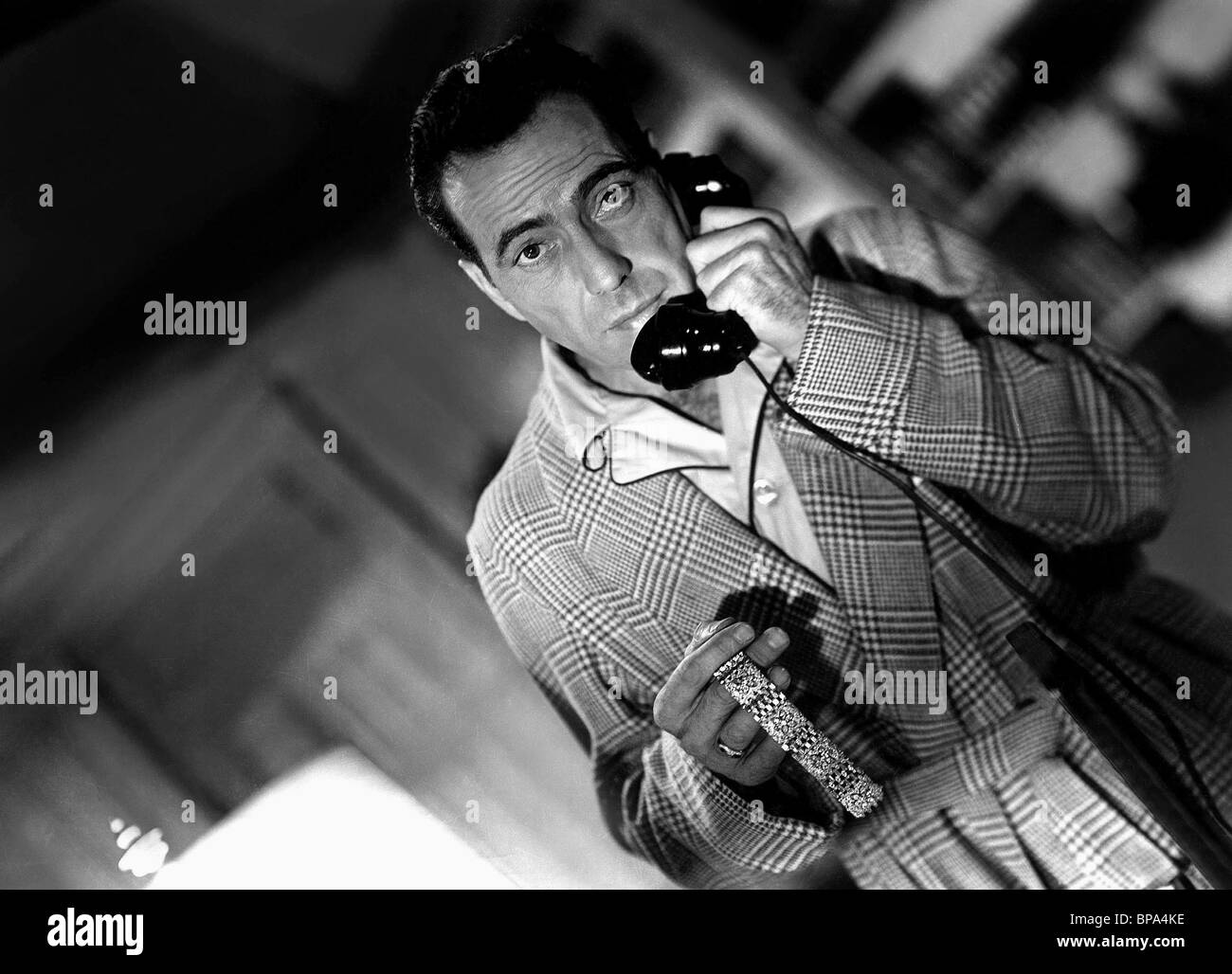 HUMPHREY BOGART CONFLICT (1945) - Stock Image