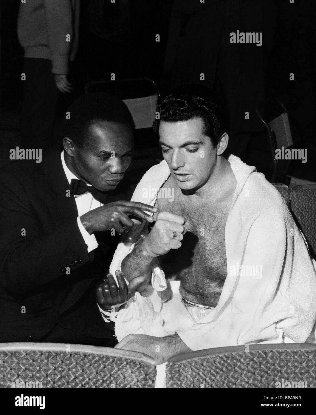 HOGAN 'KID' BASSEY & FRANKIE VAUGHAN THE HEART OF A MAN; (1959) - Stock Image