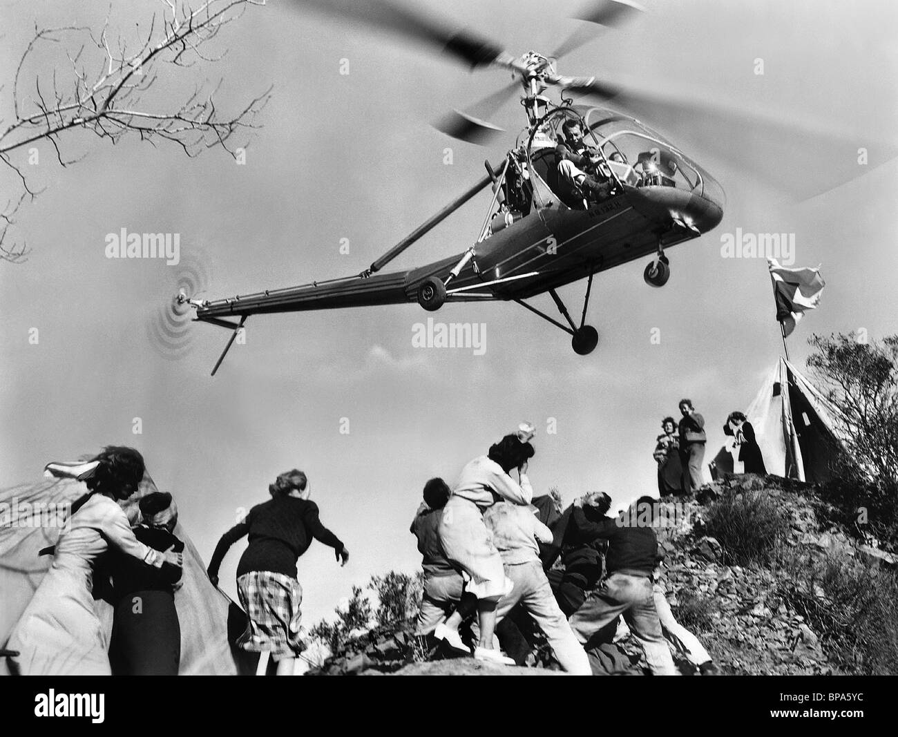 HELICOPTER SCENE WHEN WORLDS COLLIDE (1951 Stock Photo: 30957008 ...