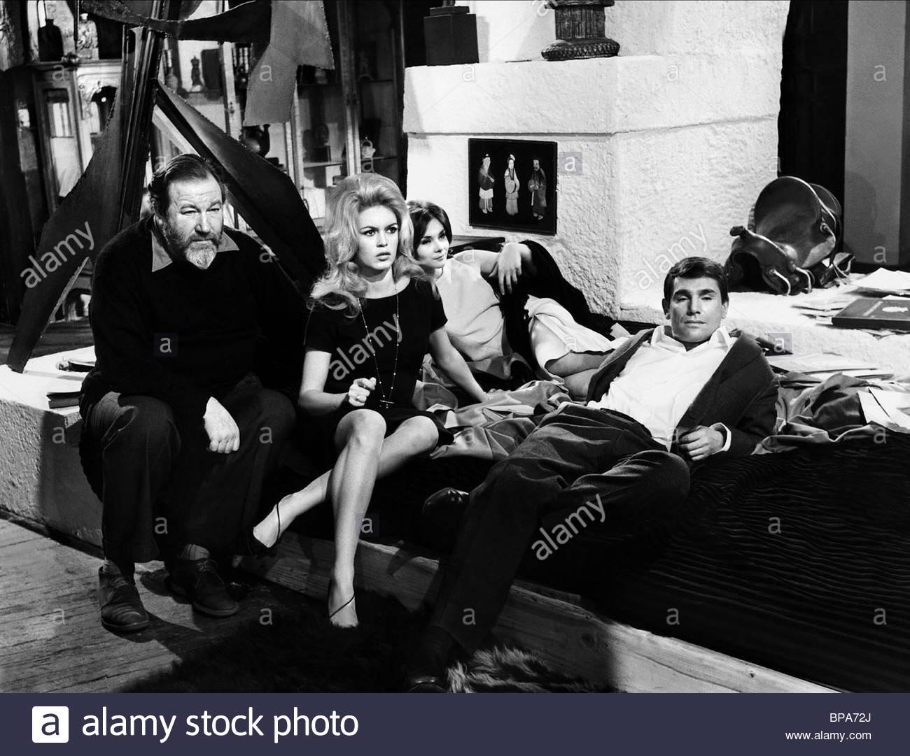 JAMES ROBERTSON JUSTICE, BRIGITTE BARDOT, MACHA MERRIL, ROBERT HOSSEIN, WARRIOR'S REST, 1962 - Stock Image