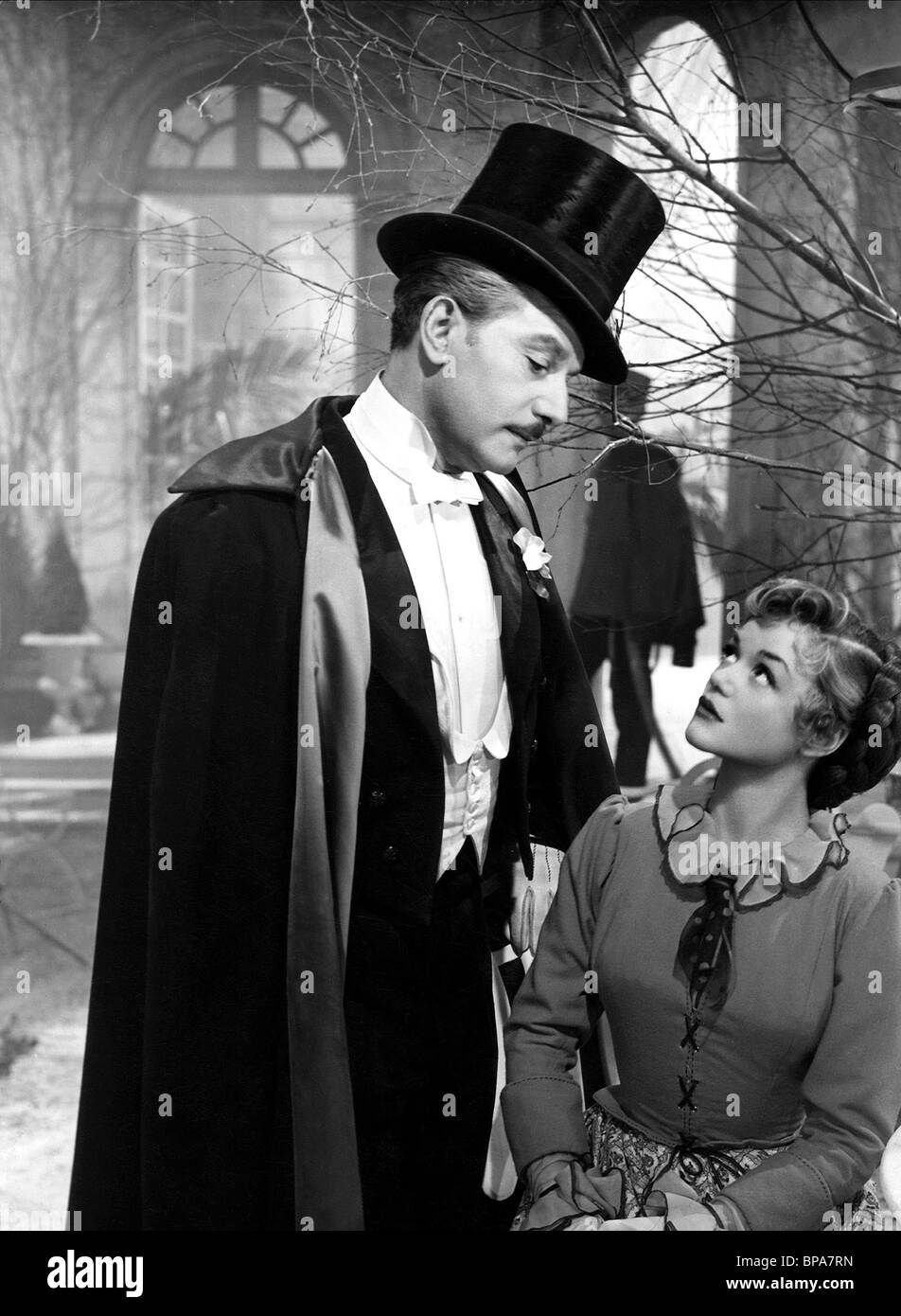 ANTON WALBROOK, SIMONE SIMON, LA RONDE, 1950 - Stock Image
