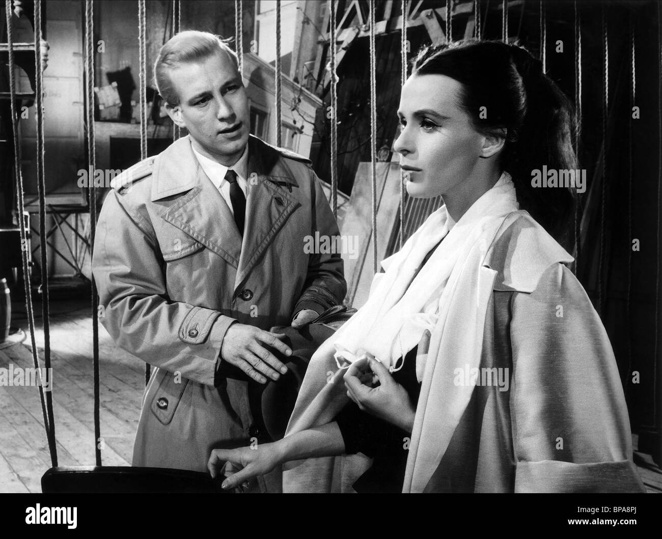 HANSJÖRG FELMY, CLAIRE BLOOM, THREE MOVES TO FREEDOM, 1960 - Stock Image