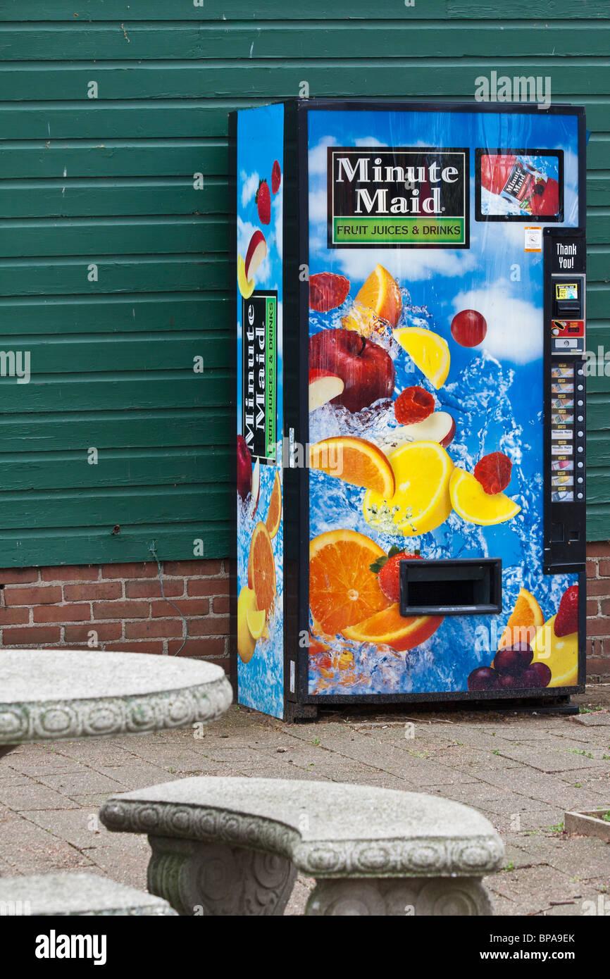 Minute Maid Juice Vending Machine Stock Photo 30959787 Alamy