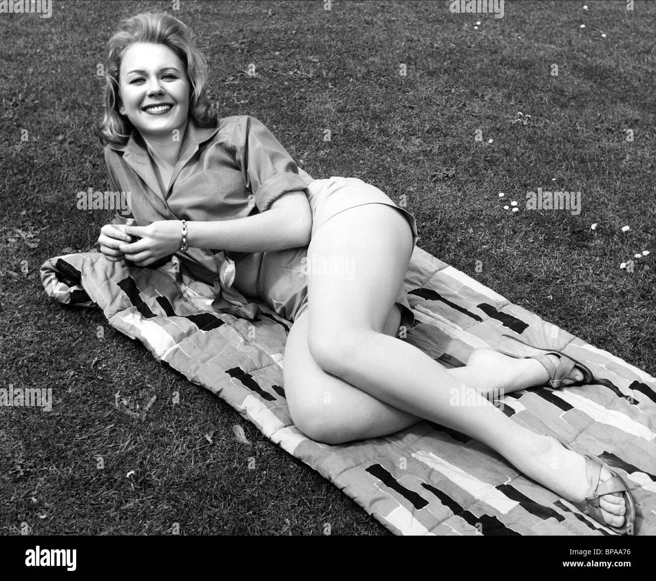 JULIET MILLS NO MY DARLING DAUGHTER (1961) - Stock Image