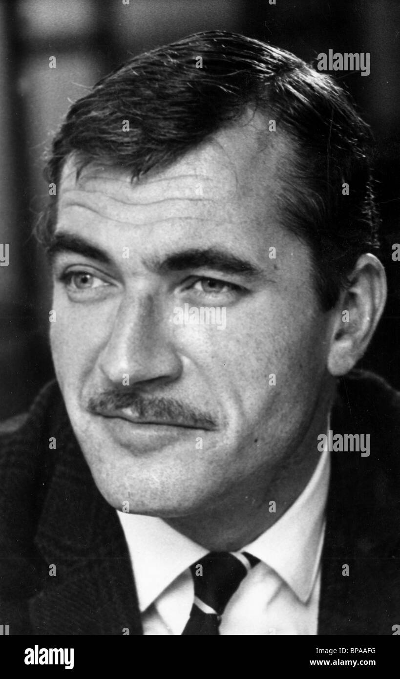 NIGEL DAVENPORT A CHOICE OF WEAPONS (1962) - Stock Image
