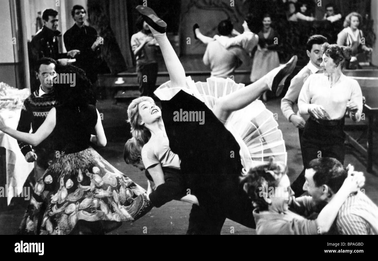 SCENE WITH SARAH CHURCHILL SERIOUS CHARGE (1959) - Stock Image