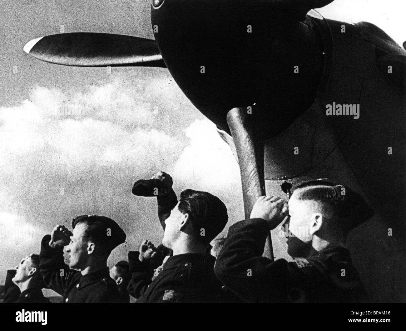 BRITISH AIRMEN SCENE WORDS FOR BATTLE (1941) - Stock Image