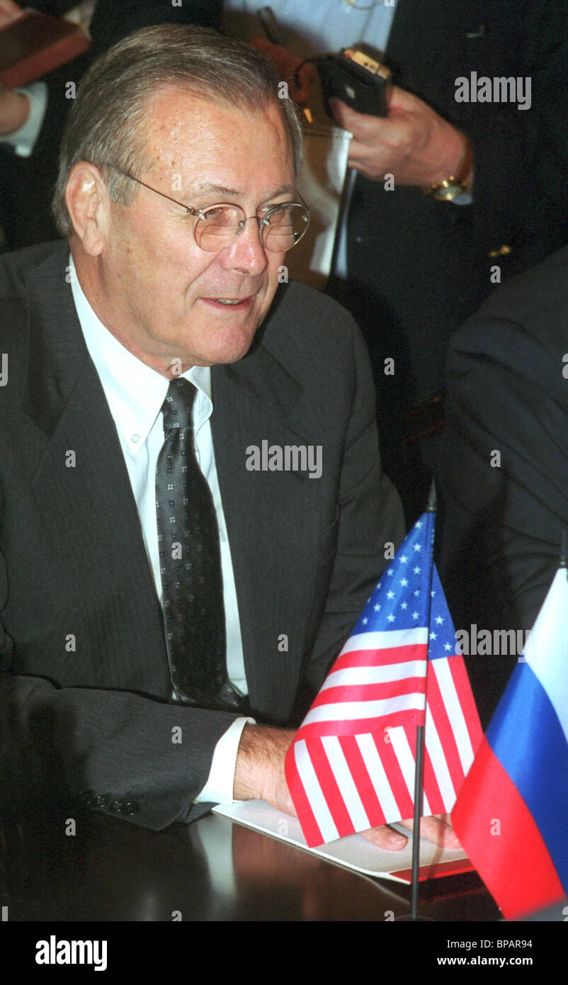 U.S. Defence Secretary Donald Rumsfeld holding talks with Sergei Ivanov - Stock Image