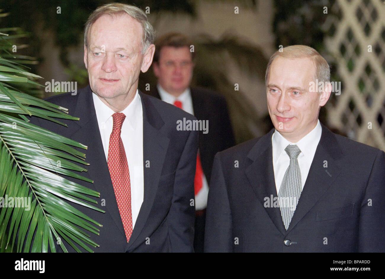 Russian president, Canadian PM taking visiting Kremlin's winter garden - Stock Image