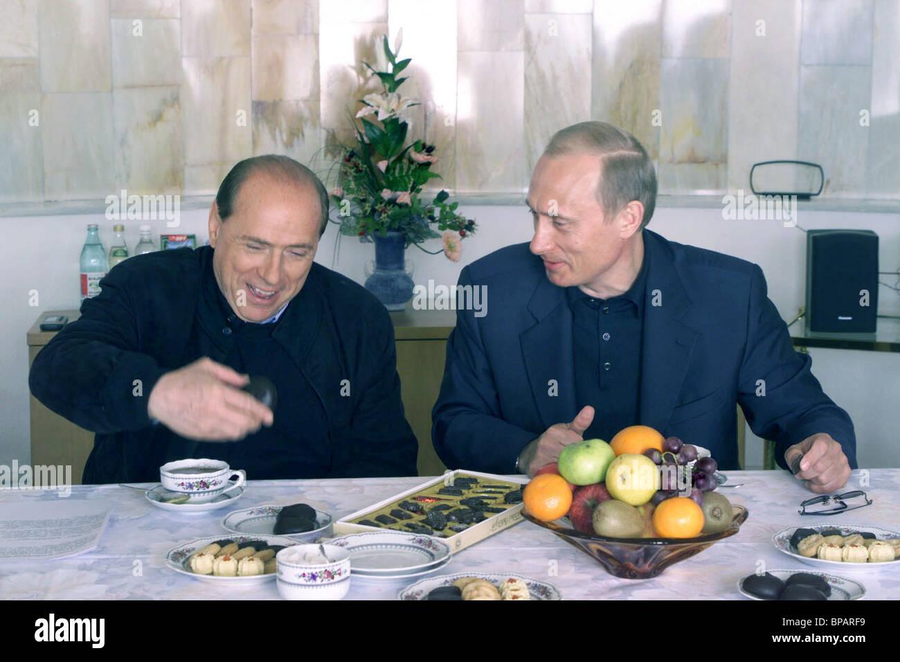 Informal meeting of President Vladimir Putin with Italian Prime Minister Silvio Berlusconi in Sochi. - Stock Image