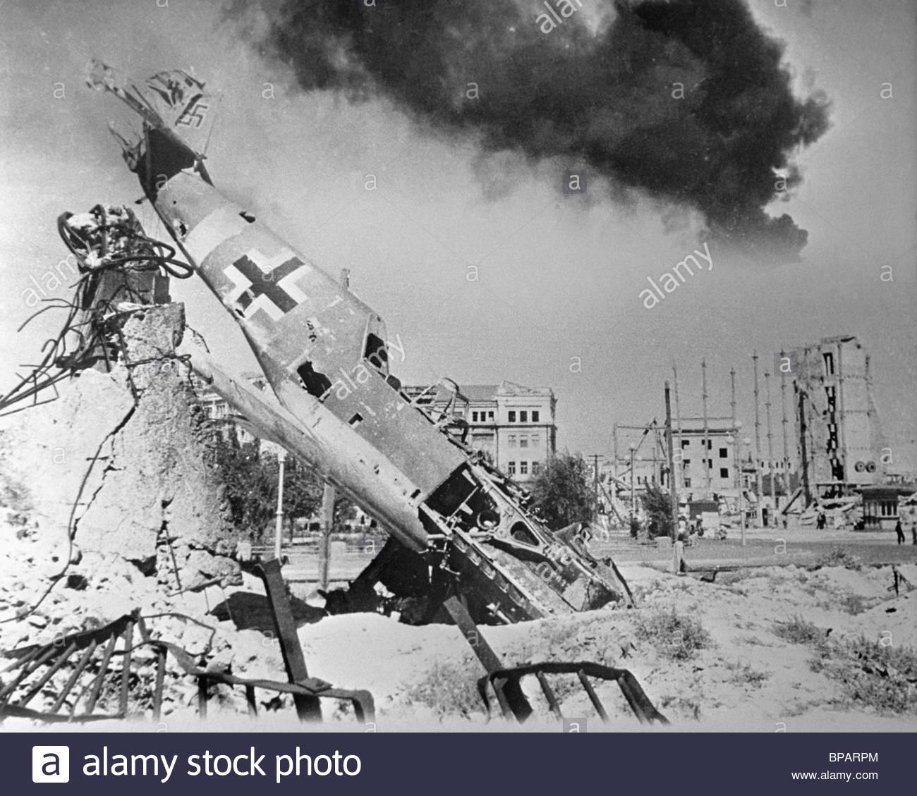 Shot German fighter Me 109 in Stalingrad, 1942 - Stock Image