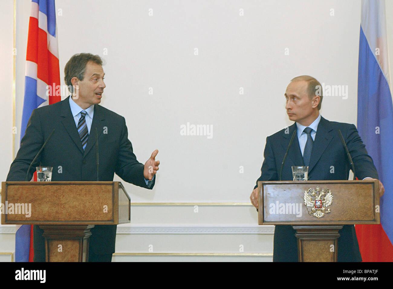 Vladimir Putin, Tony Blair hold press conference - Stock Image