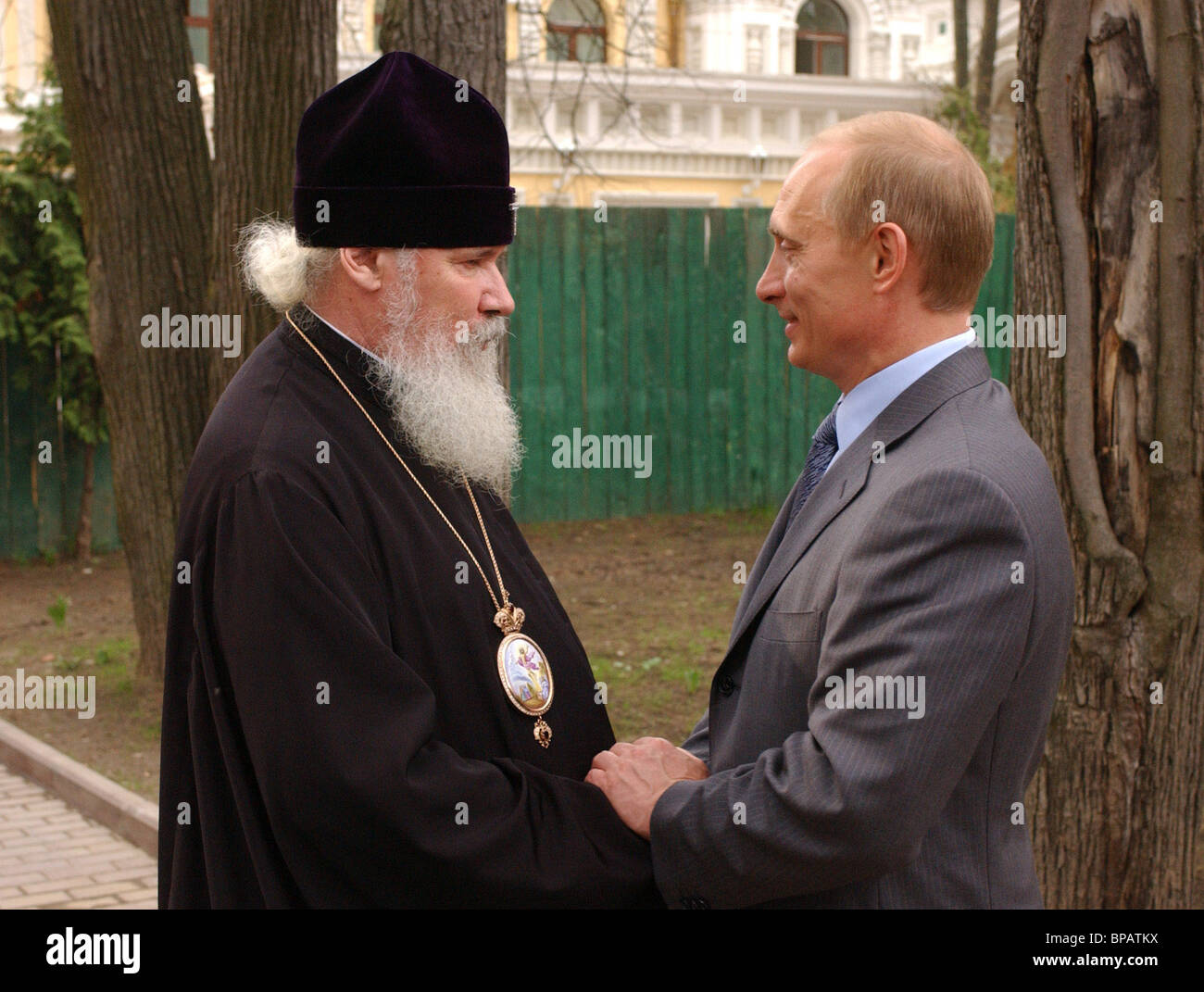 Putin, Alexy II congratulate each other on Easter holiday - Stock Image