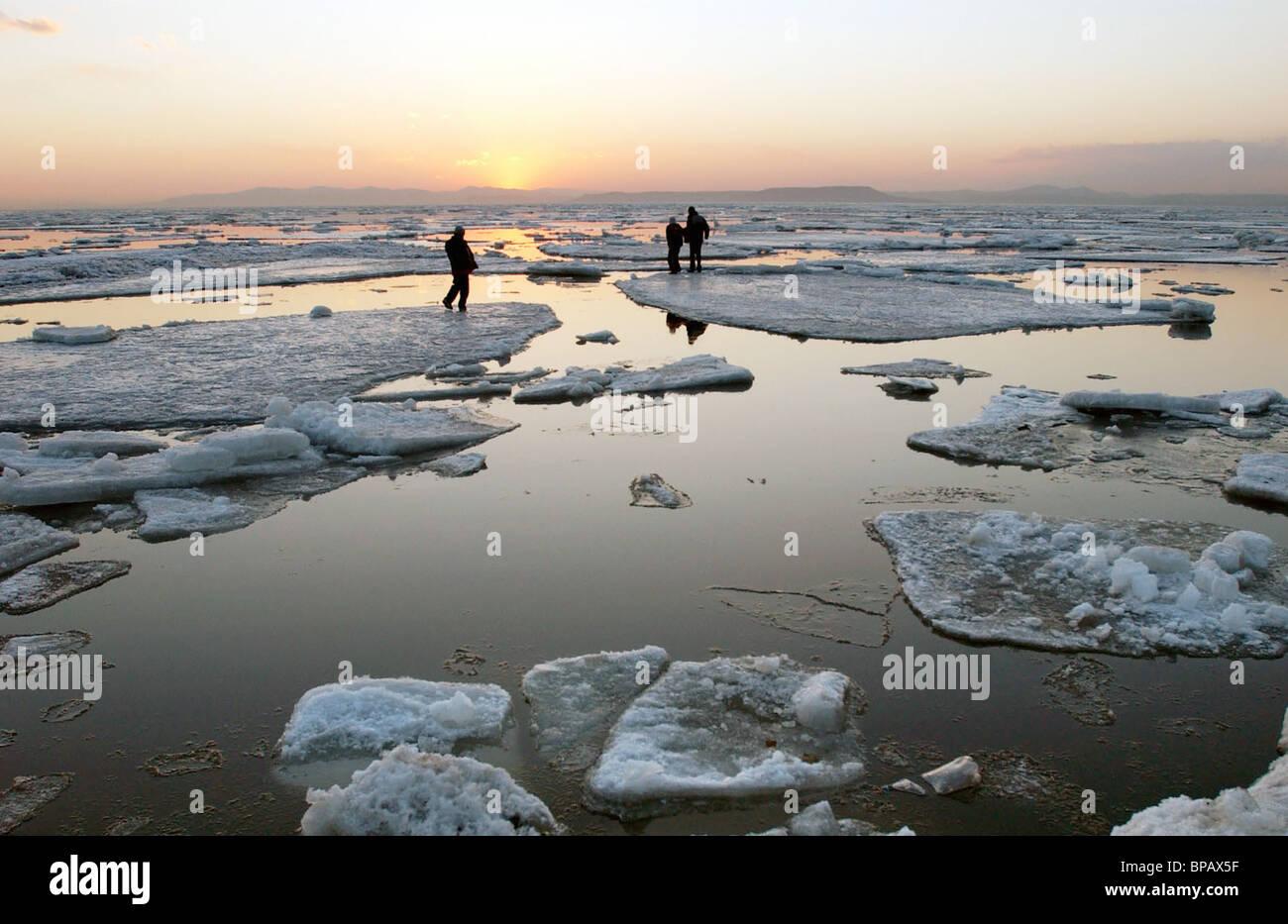 Dangerous entertainment of Vladivostok teenagers - Stock Image