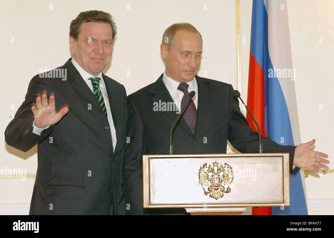 Meeting of President of Russia Vladimir Putin with German Chancellor Gerhard Schroeder - Stock Image