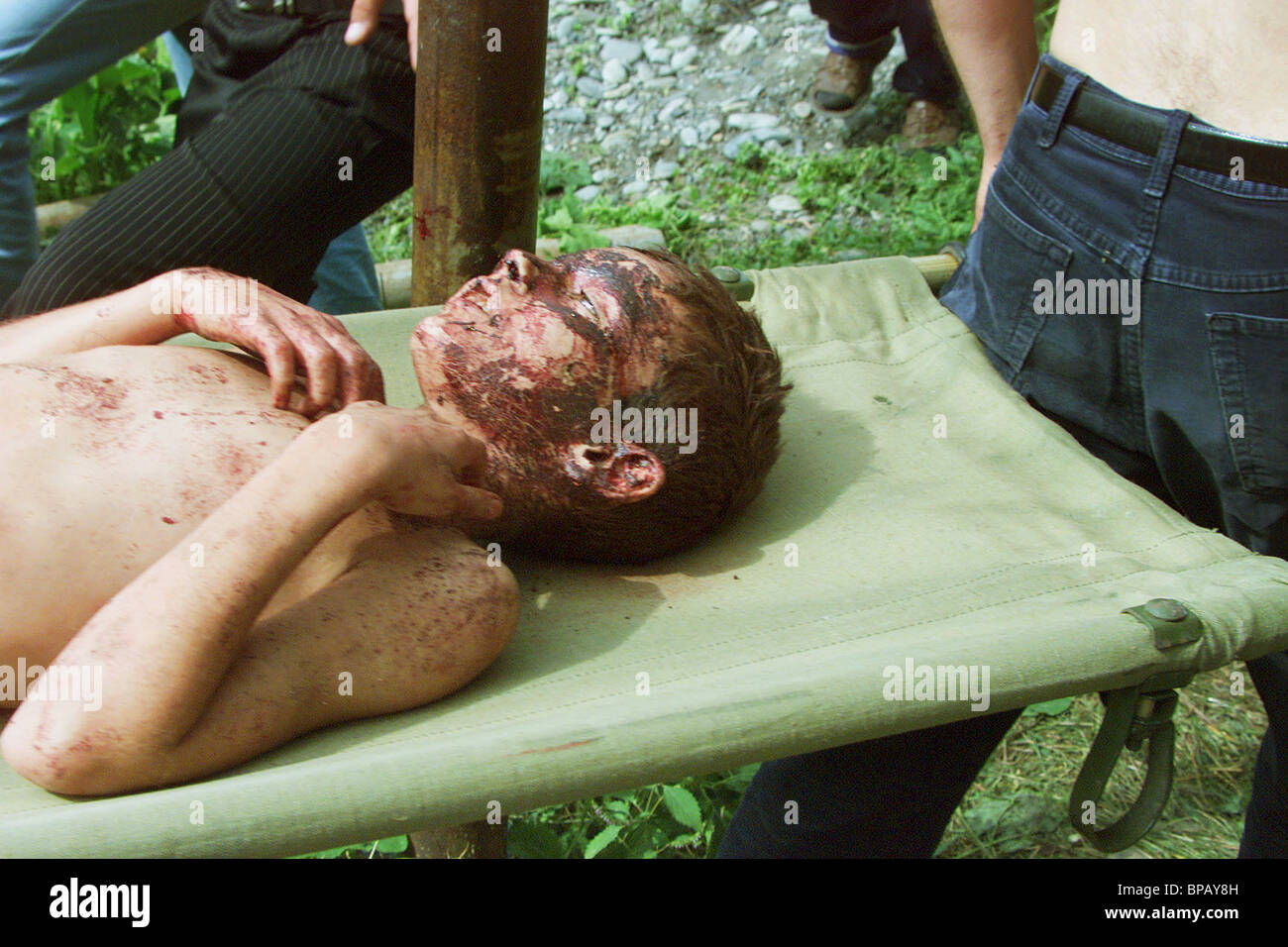 Wounded former hostages evacuated - Stock Image